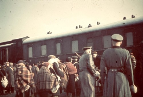 Lodz, Poland, Deportation of Jews to Chelmno, April 1942-12127292693232783394.jpg