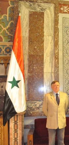 Gianantonio Valli nella sede del Parlamento della Repubblica Araba di Siria,Damasco.jpg