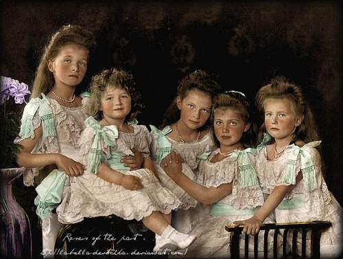 romanov_children_in_1906_The Grand Duchess Olga1895,Tsarevich Alexei 1904, Grand Duchesses Tatianab.1897, Maria b.1899,Anastasia 1901 Romanov.jpg